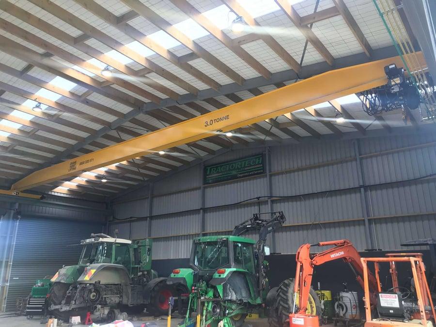 Motorized gantry crane